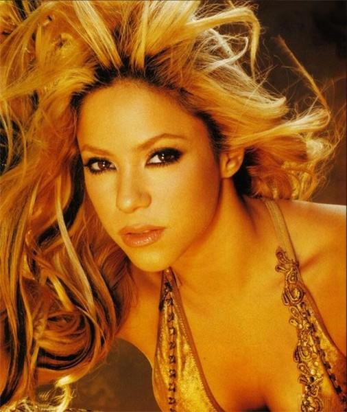 Shakira... (Light on Colombian... Chosen, the best.)